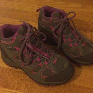 Kids Girls Merrell waterproof hiking boots sz 1.5
